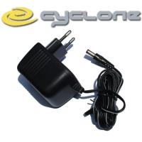 Adaptador 5.5v 400mAh para Alimentar las Cyclone Box - Si tiene problemas con su Cyclone Box esta es su solución! El Adaptador es reconocido directamente por el propio software de Cyclone Box cuando arranca. Compatible con Boxes HW v1 y v2!