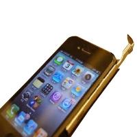 DAGi Stylus P401 Exclusivo para iPhone 4 [Negro y Aluminio] - El DAGi Stylus es un lápiz óptico de precisión y punta transparente diseñado específicamente para el iPhone 4. Es extremadamente ligero y funciona sin baterías. Se acopla perfectamente al lateral derecho y la curva superior derecha de su iPhone 4 y queda perfectamente integrado en cuestión de segundos!